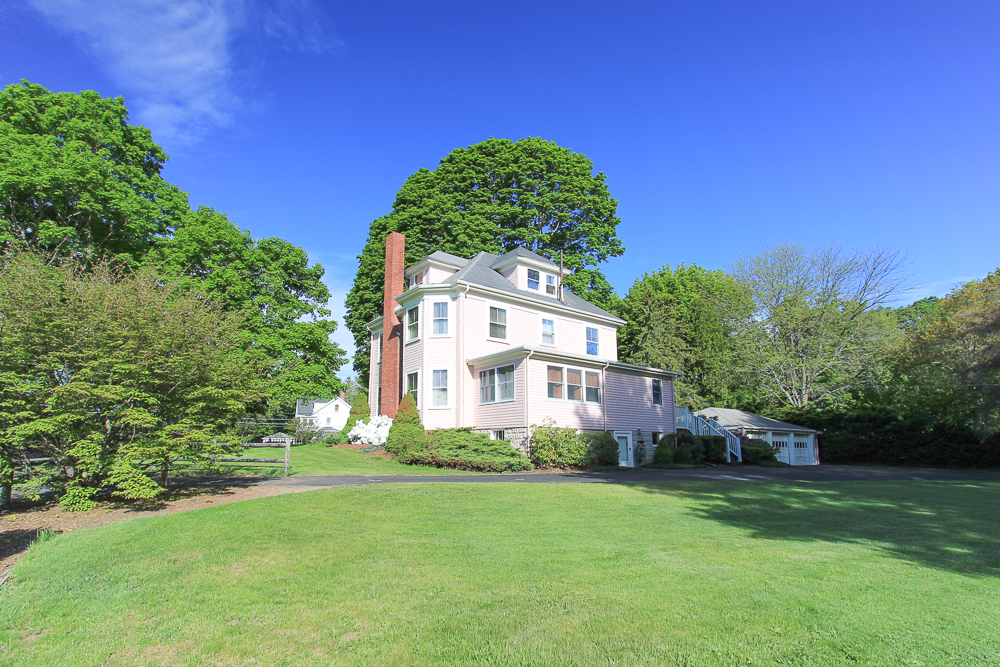 Wenham MA Real Estate - 62 Maint Street