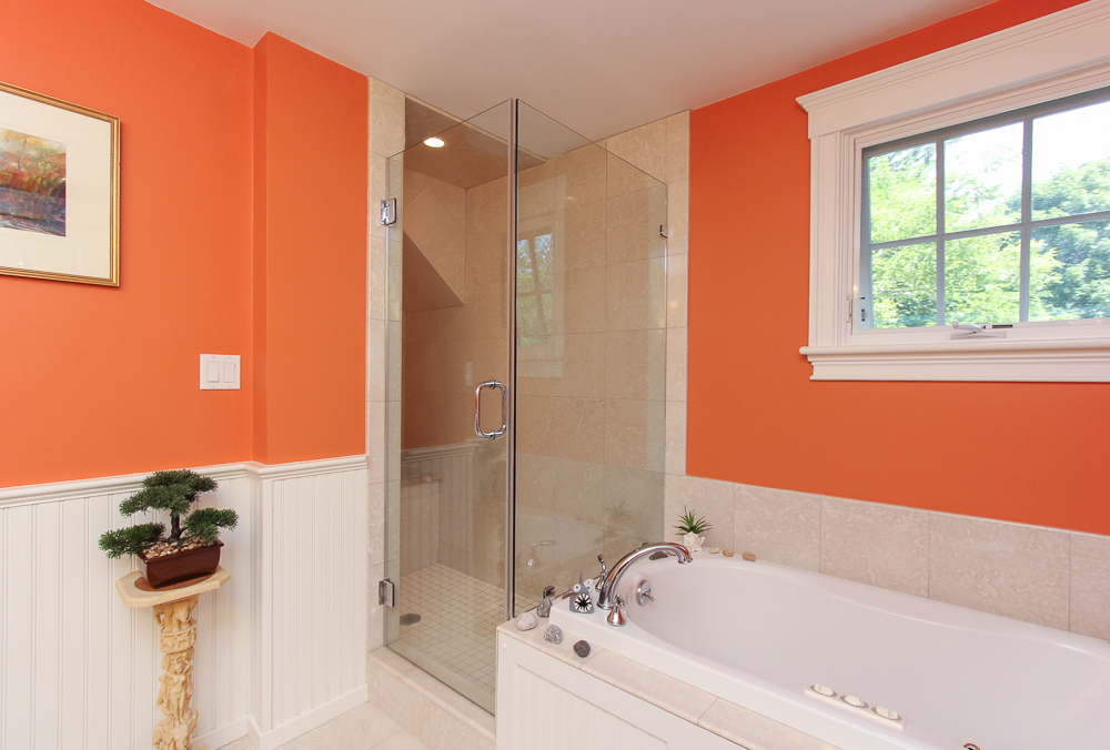 Shower and Tub at 6 Ober Street Beverly, MA - Unit 6