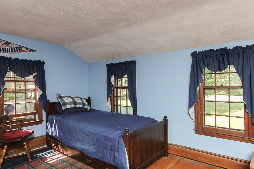 Fourth bedroom at 28 Juniper Street in Wenham, MA