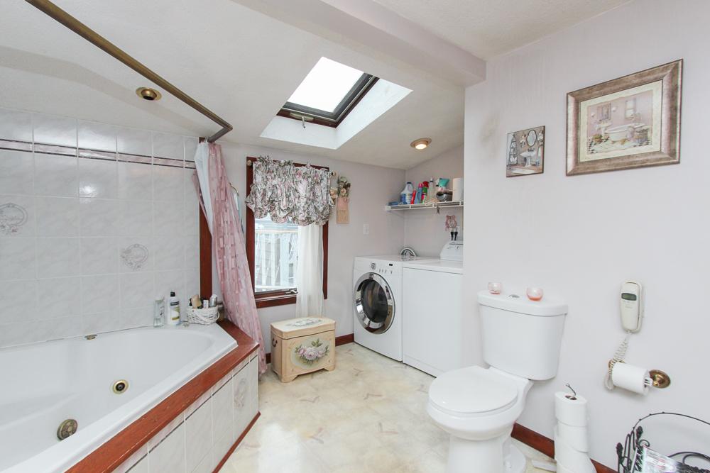 Bathroom 59 Irving Way Nahant, MA
