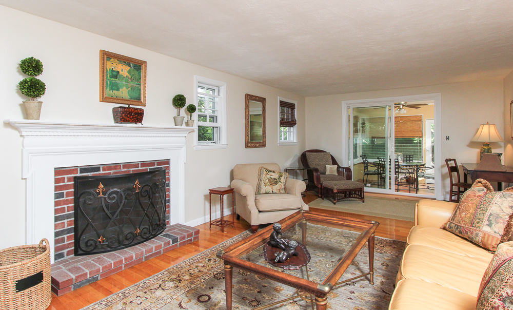 Living Room 42 Brookline Street Lynn, MA