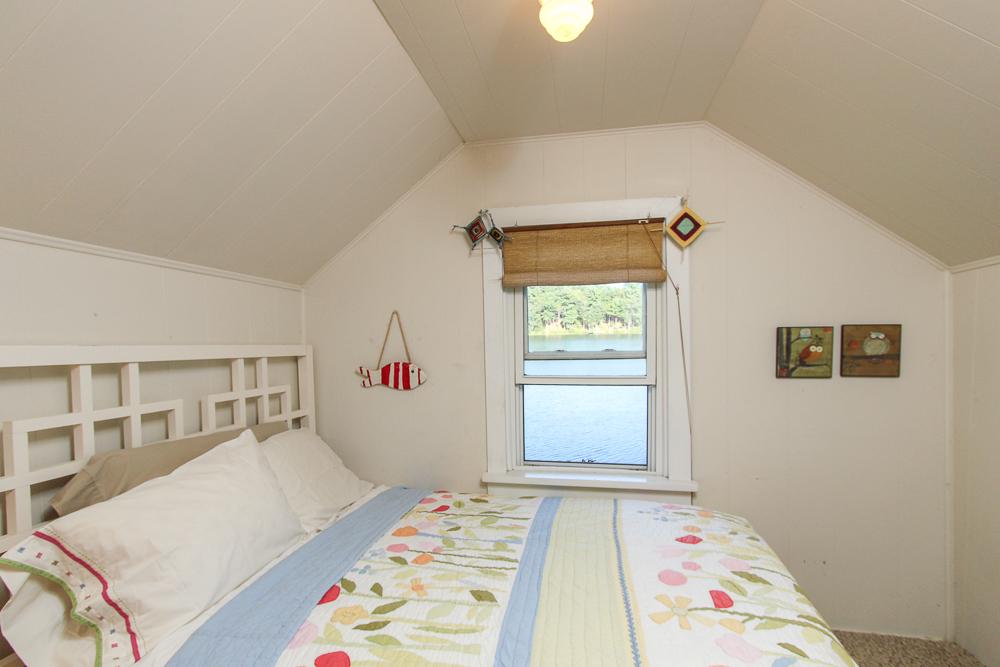 Bedroom 28 Batchelder Park Wenham, MA