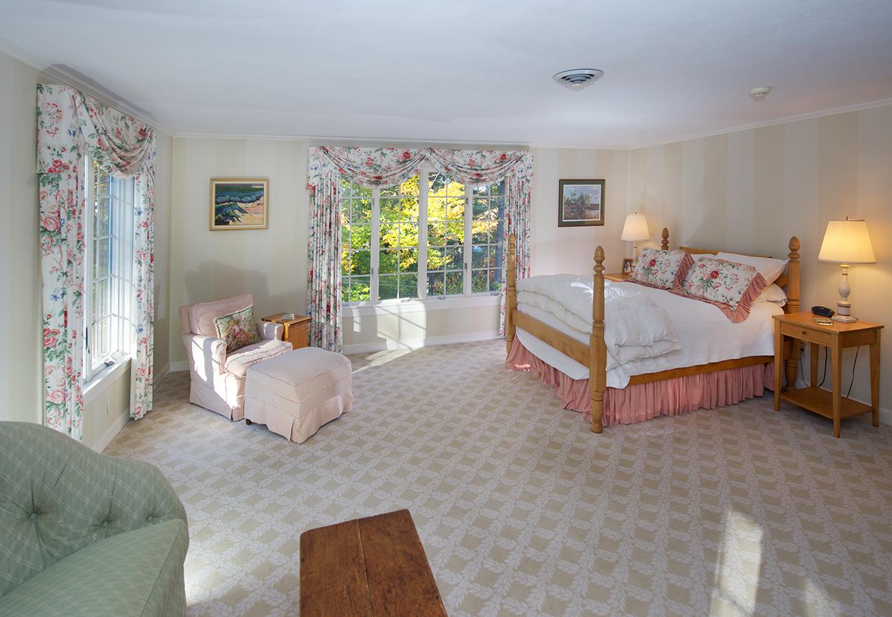 Bedroom 33 Essex Street Hamilton, MA