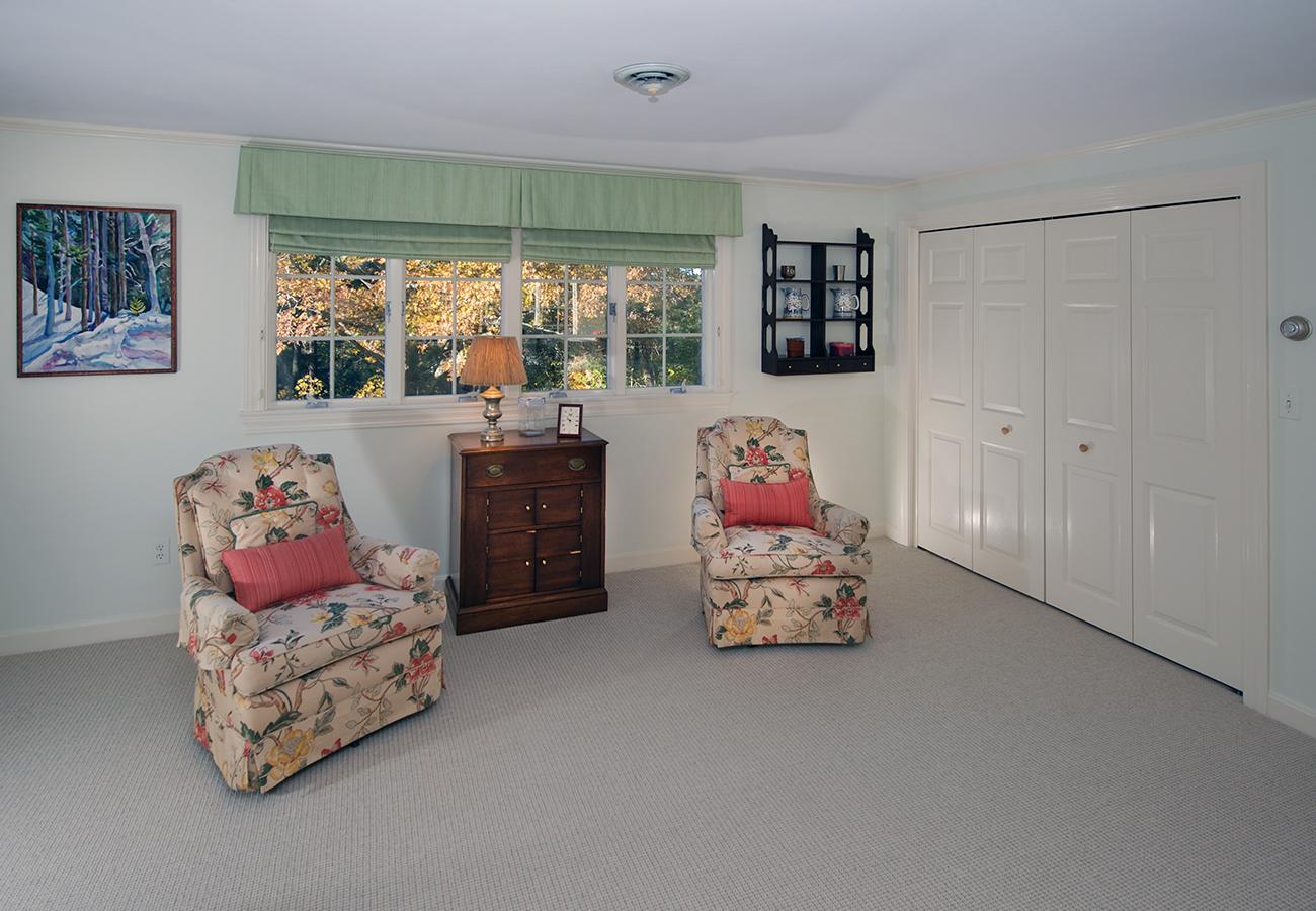 Guest Bedroom 33 Essex Street Hamilton, MA