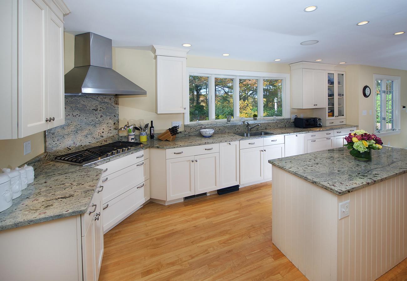 Kitchen 33 Essex Street Hamilton, MA