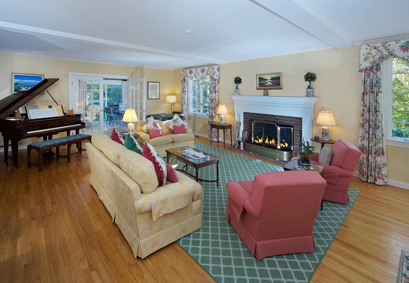 2nd Living Room 33 Essex Street Hamilton, MA