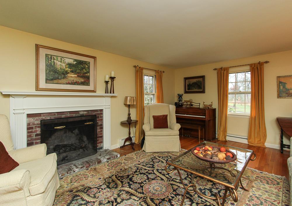 Living Room 14 Daniels Road Wenham, MA