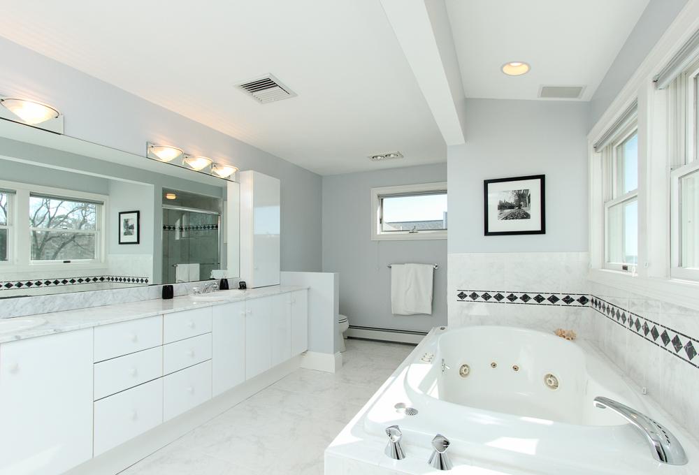 Master Bath 89 Seaview Avenue Marblehead, MA