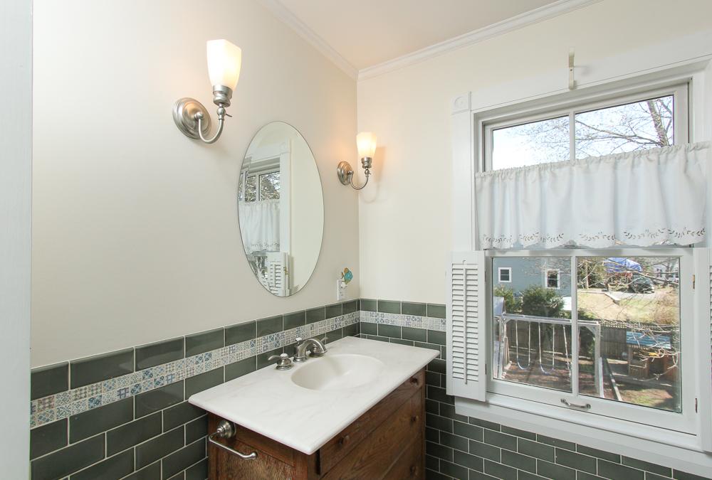 Bathroom - 47 Hamilton Avenue Hamilton, MA