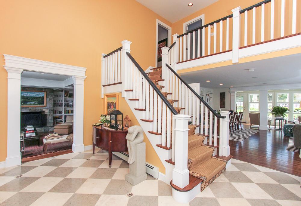 Foyer 4 William Fairfield Drive Wenham, MA