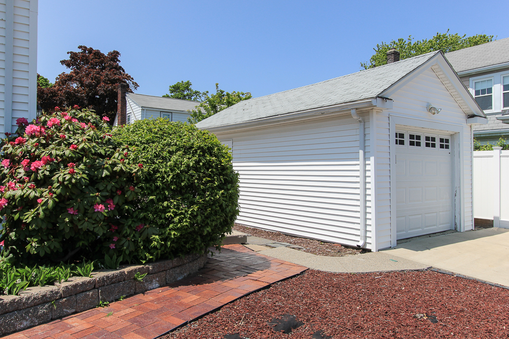 Garage 101 Sunnyside Avenue Winthrop, MA