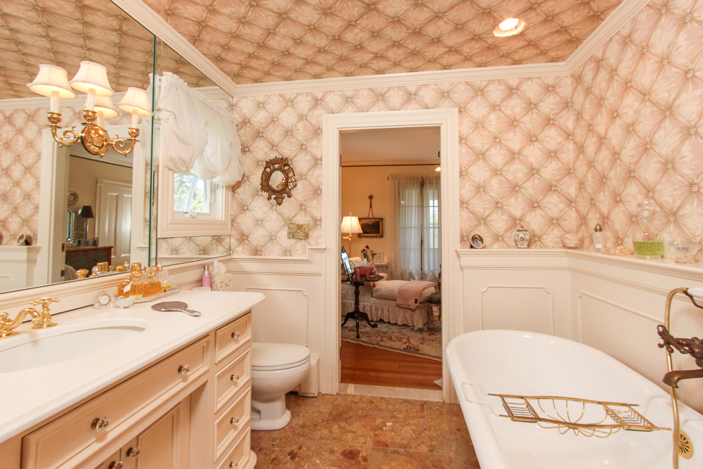 Master Bathroom 104 Essex Road Ipswich, MA