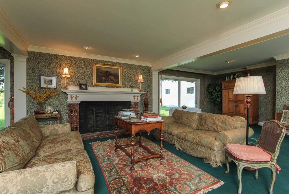 Family Room 104 Essex Road Ipswich, MA