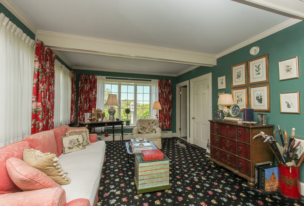 Sitting Room 104 Essex Road Ipswich, MA