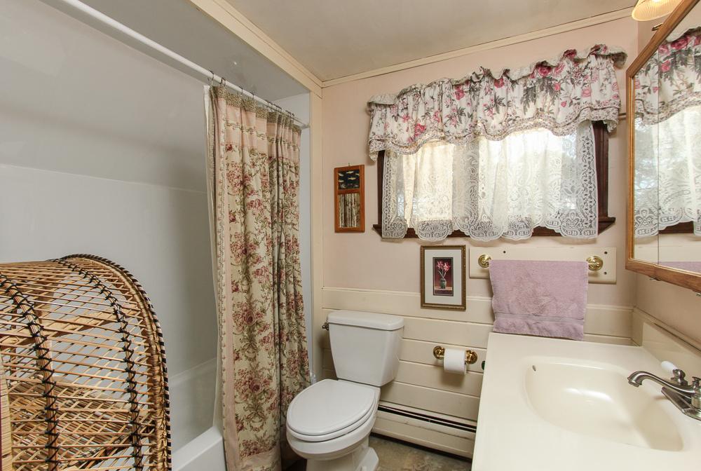 Bathroom 51 Mill Street Hamilton, MA