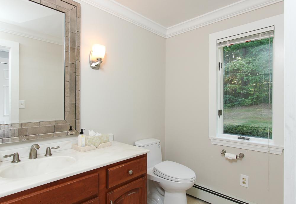 Guest Bath 58 Farley Avenue Ipswich MA