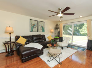 living-room-78-edgelawn-avenue-north-andover-unit-8