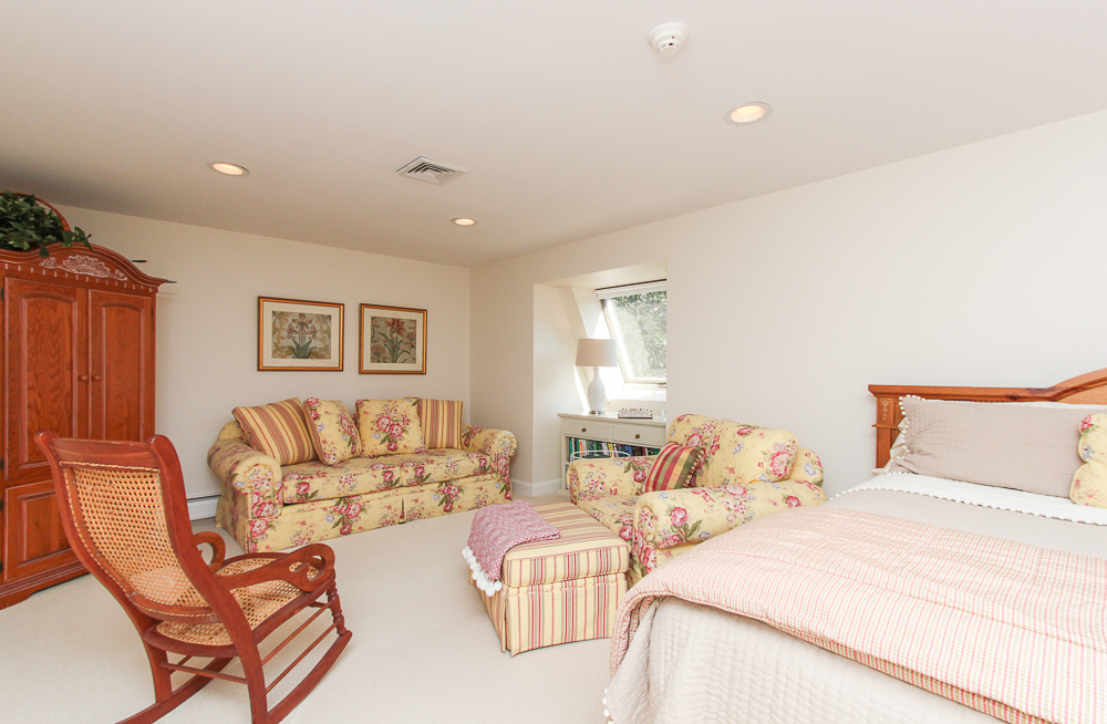 third floor bedroom 33 Old Planters Road Beverly Massachusetts