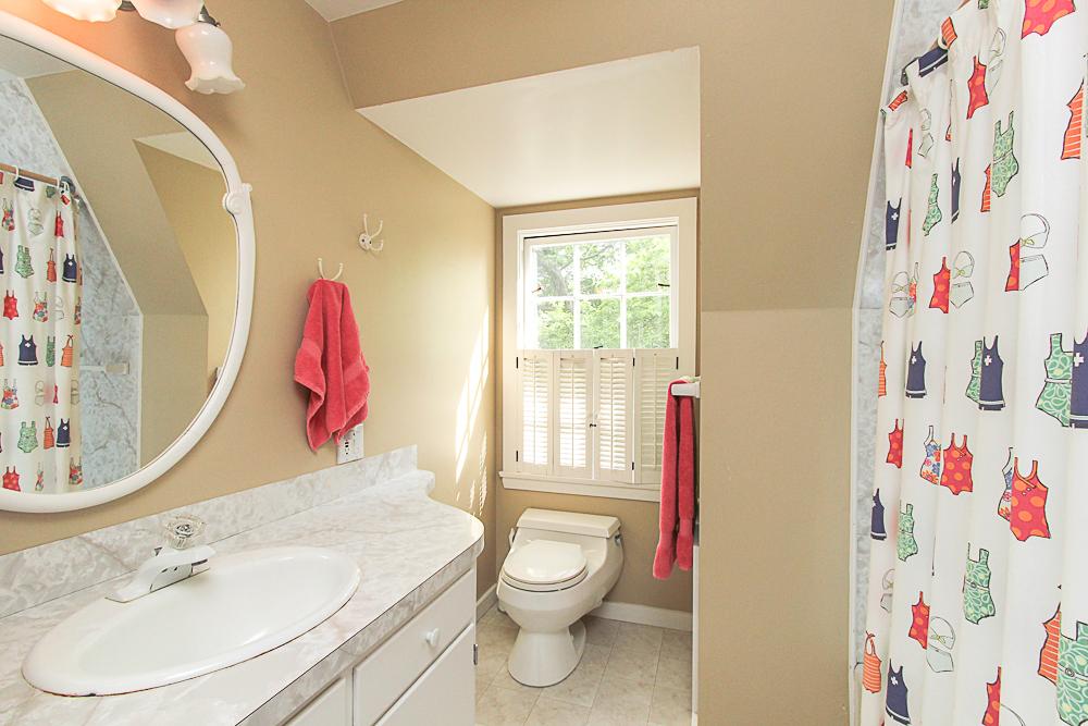 Bathroom 4 Lanes Road Essex Massachusetts