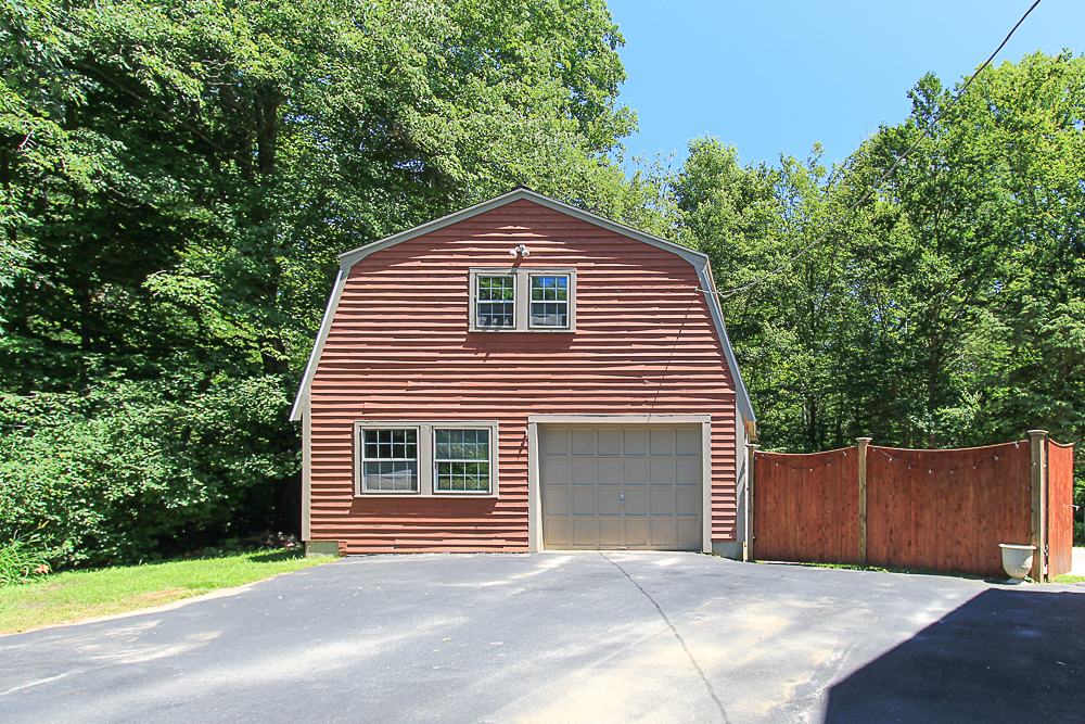 Barn Garage 84 Old Cart Road Hamilton Massachusetts