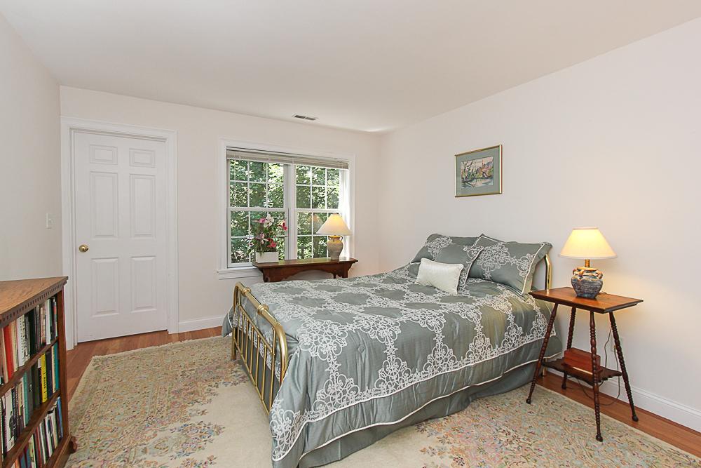 Guest bedroom 54 Essex Street Hamilton Massachusetts