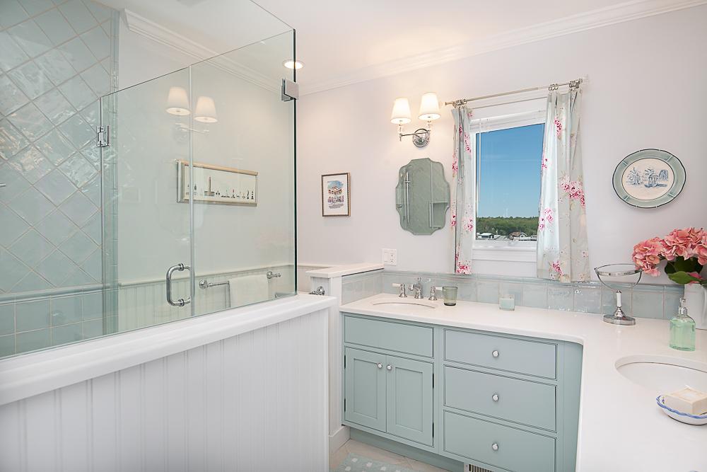 Main bath 20 High Rock Terrace Gloucester Massachusetts
