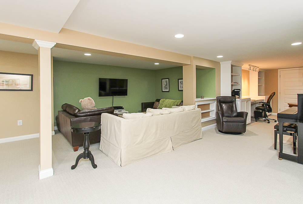 Family room on lowere level. Wall to wall carpet 43 Homestead Circle Hamilton MA
