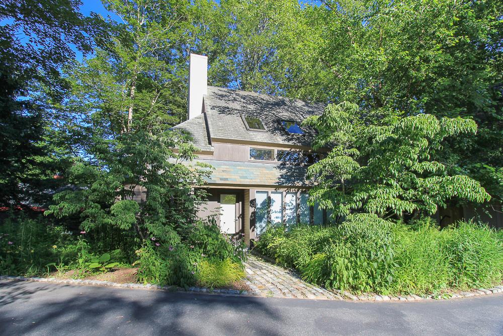 Front with walkway 557 Bay Road Hamilton, Massachusetts