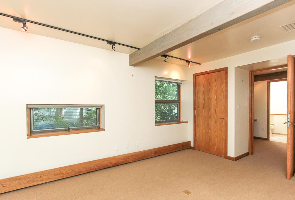 Bedroom 557 Bay Road Hamilton, Massachusetts