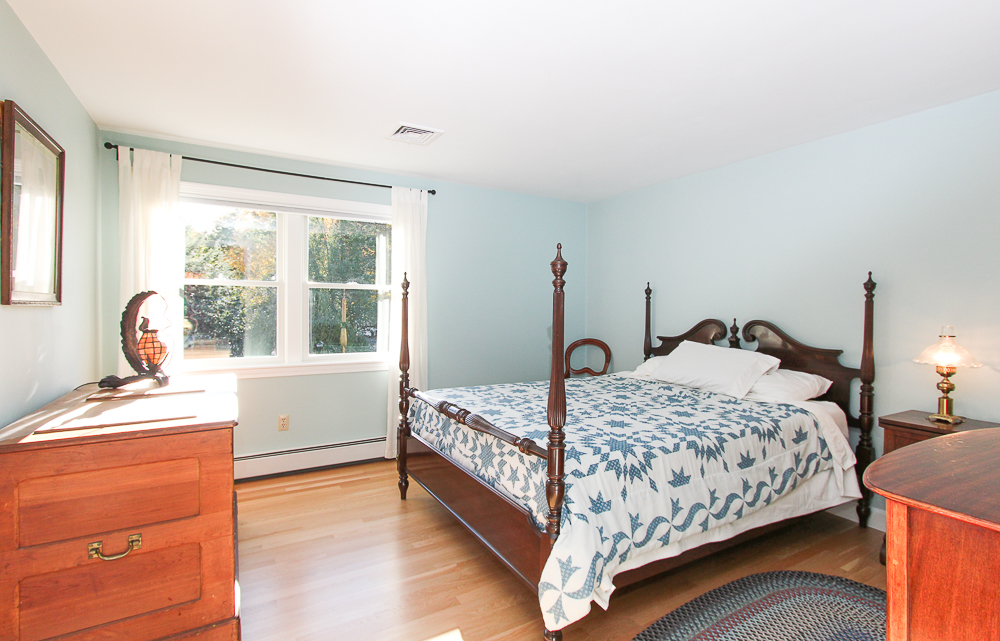 Bedroom with hardwood floors 31 Orchard Road Hamilton Massachusetts