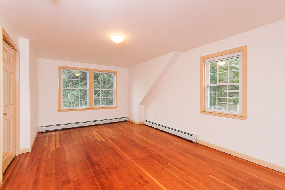 Bedroom 80 Union Street Hamilton Massachusetts