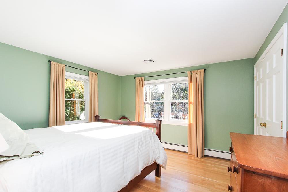 Bedroom 31 Orchard Road Hamilton Massachusetts