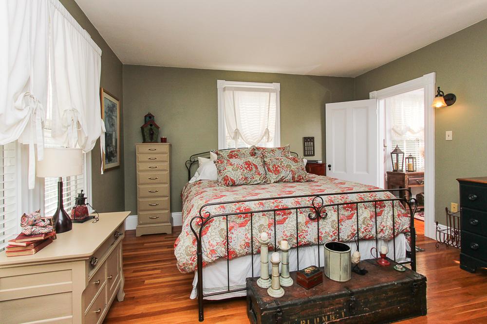 Main Bedroom 26 Walnut Road Hamilton Massachusetts