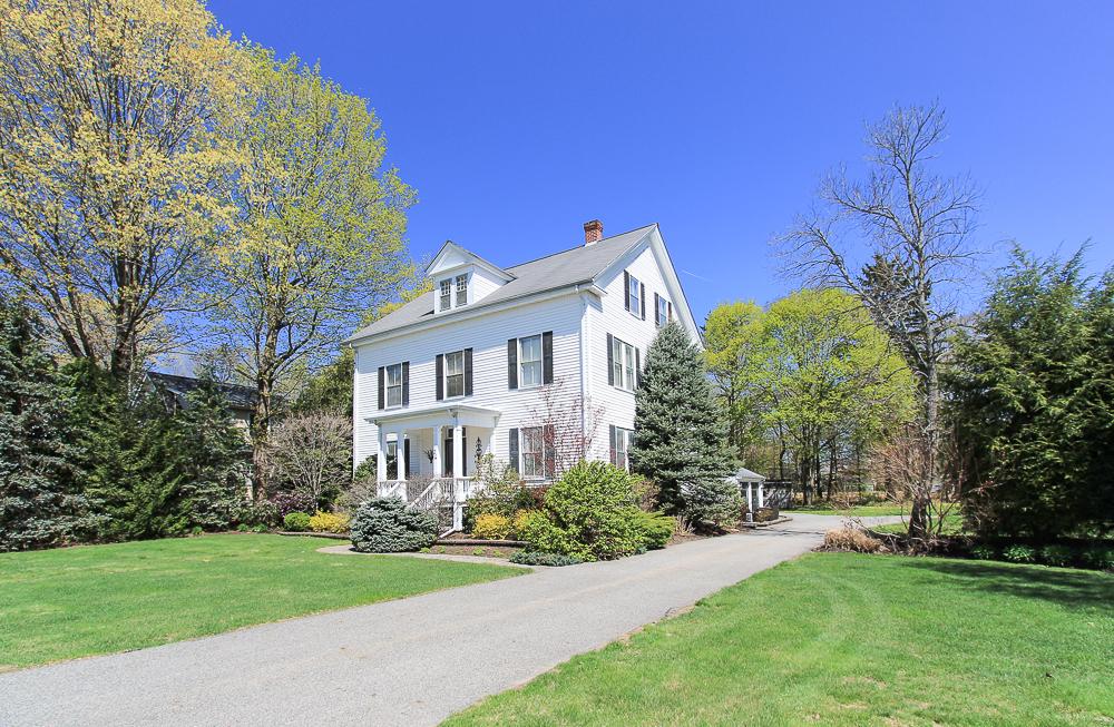 Spring 26 Walnut Road Hamilton Massachusetts