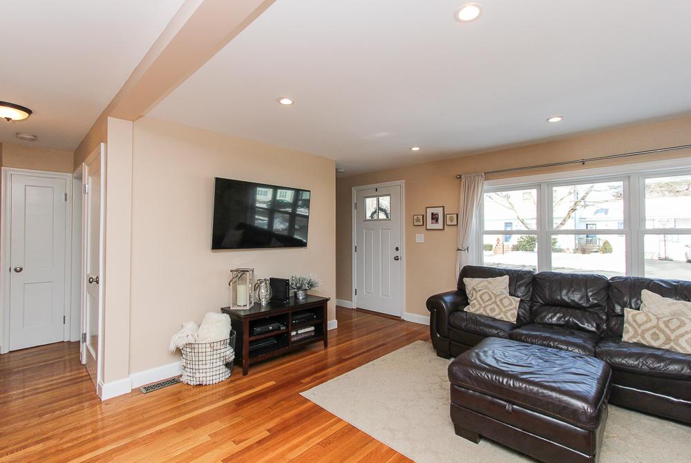 Living room 16 Alden Road Peabody Massachusetts