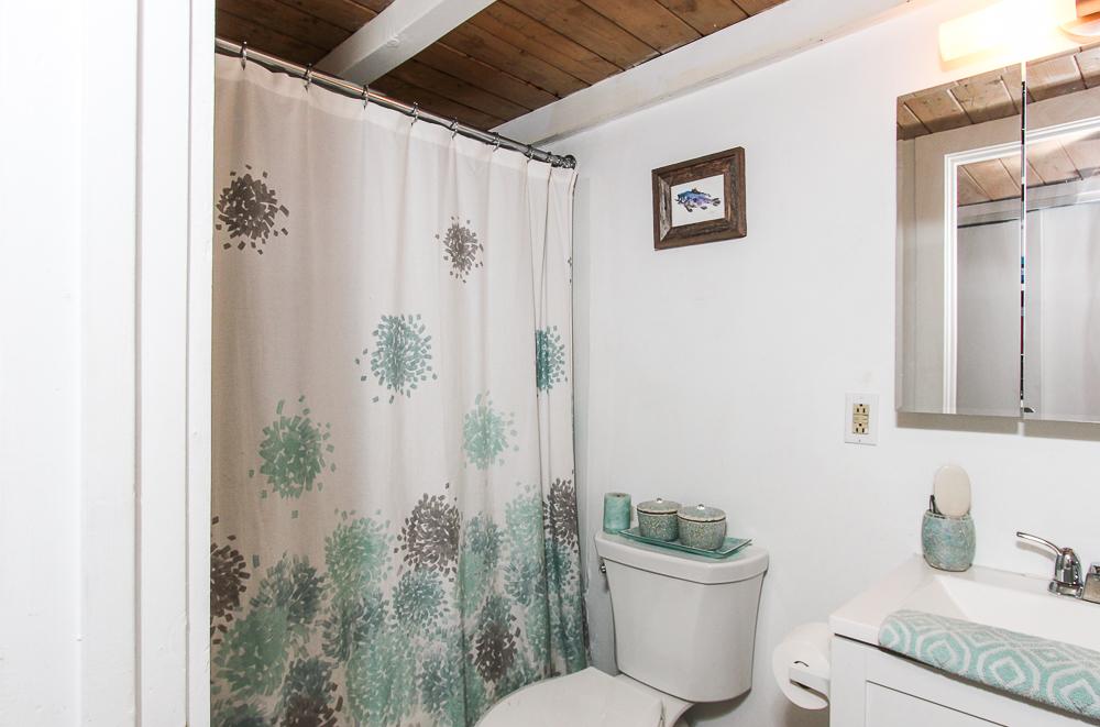 Bathroom 24-303 Norman Street Salem Massachusetts
