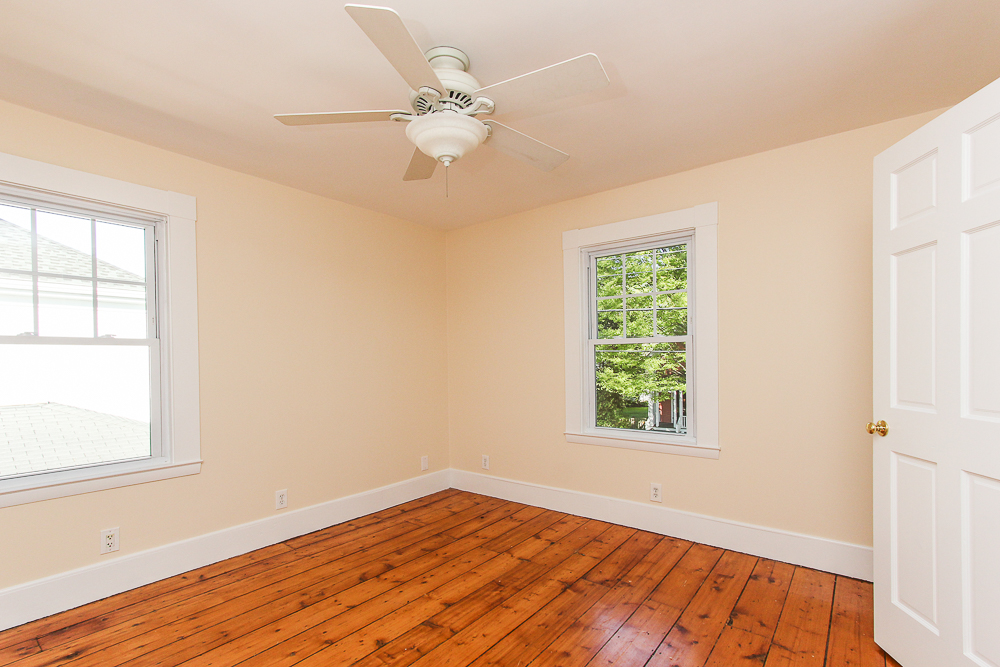 Bedroom with pine floors 68 Union Street Hamilton Massachusetts