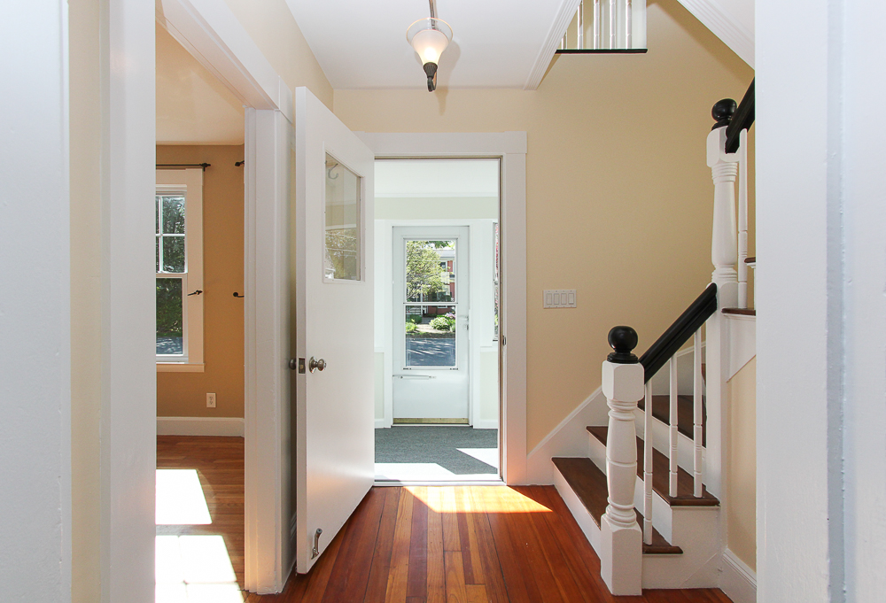 Foyer leading out to enclosed porch 68 Union Street Hamilton Massachusetts