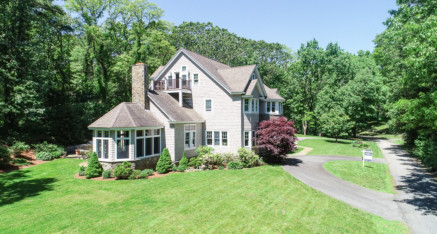 18 Beaver Pond Road Beverly, MA