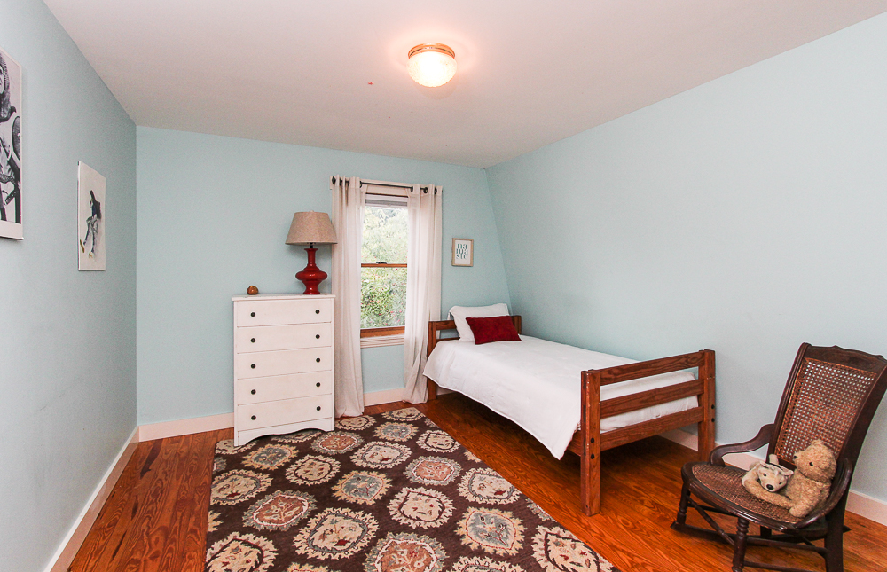 Bedroom 72 Hamilton Avenue Hamilton, MA