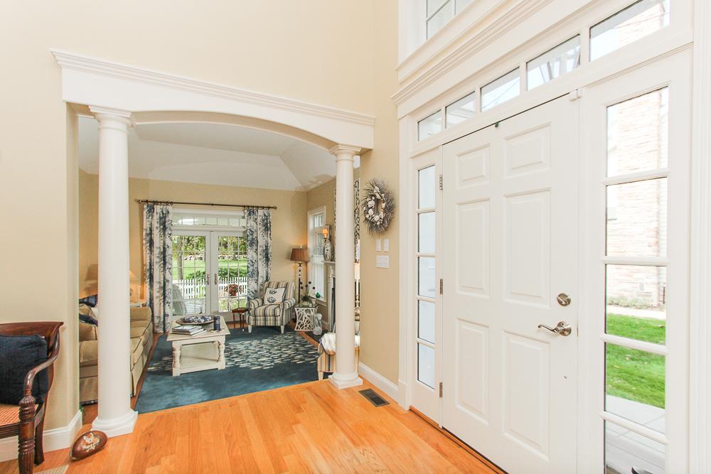 Foyer 1B Plover Street Gloucester, MA