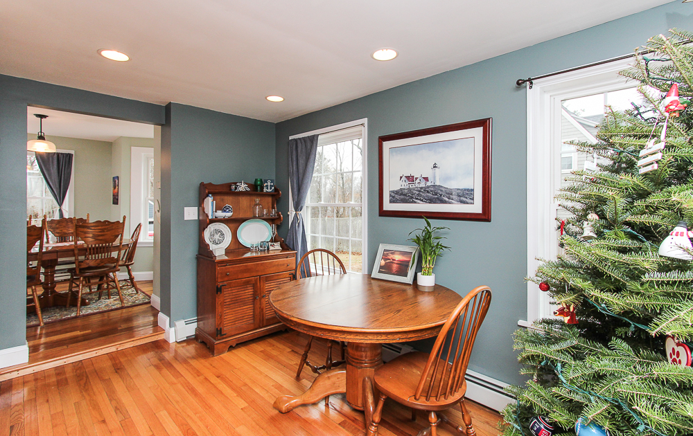 Front foyer with table 229 Highland Street Hamilton MA