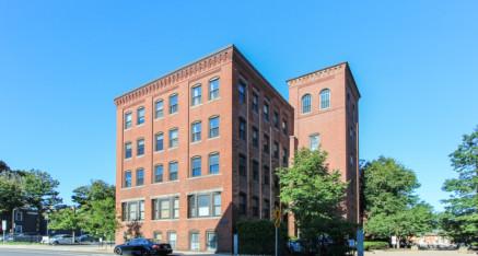 50 Rantoul Street Beverly, MA – Unit 506