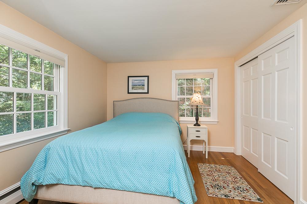 Bedroom 85 Perkins Row Topsfield MA