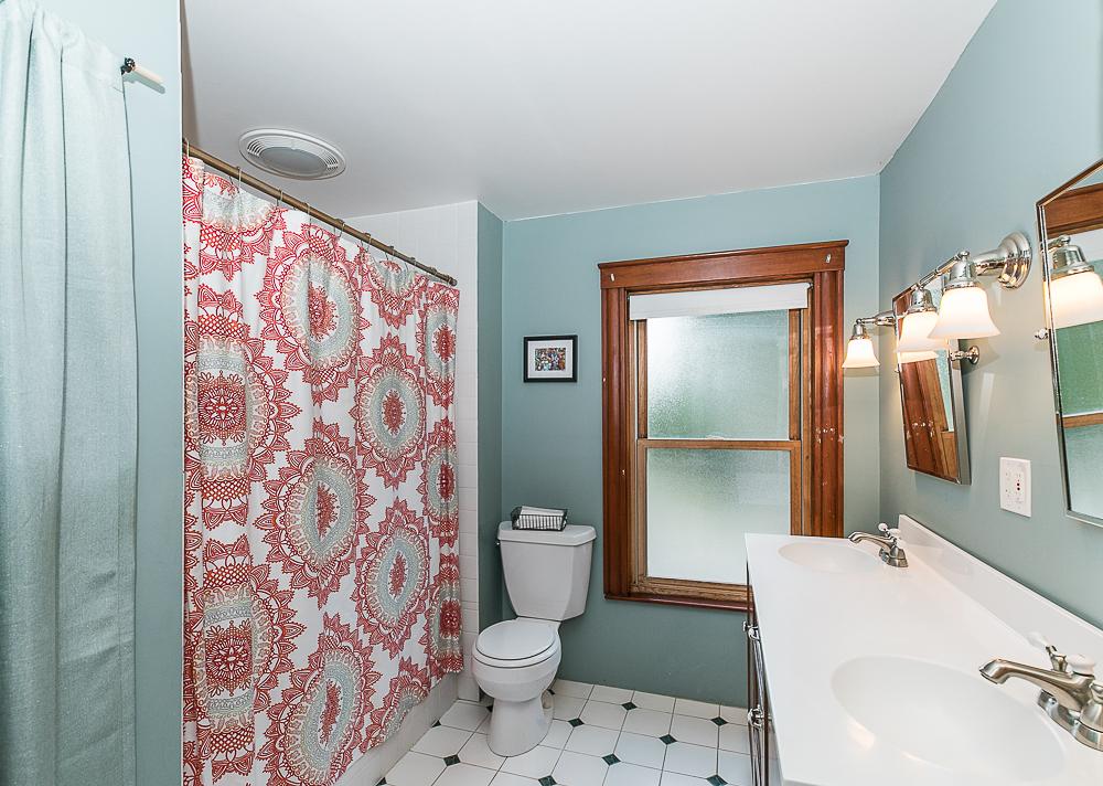 Bathroom 298 High Street Ipswich MA