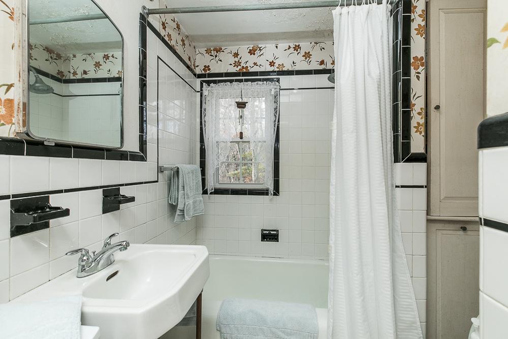 Bathroom on second floor tiled 145 Salem Road Topsfield Massachusetts