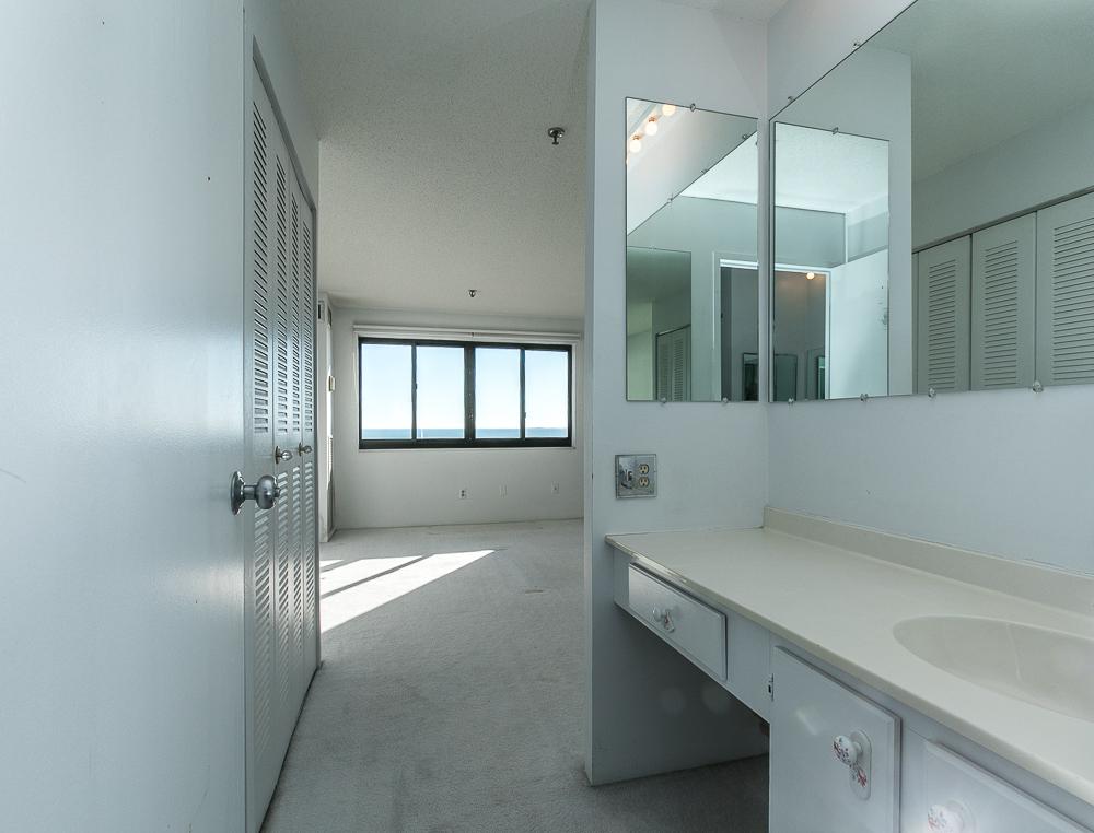 Ensuite Bathroom towards bedroom 510-1002 Revere Beach BLVD Revere Massachusetts