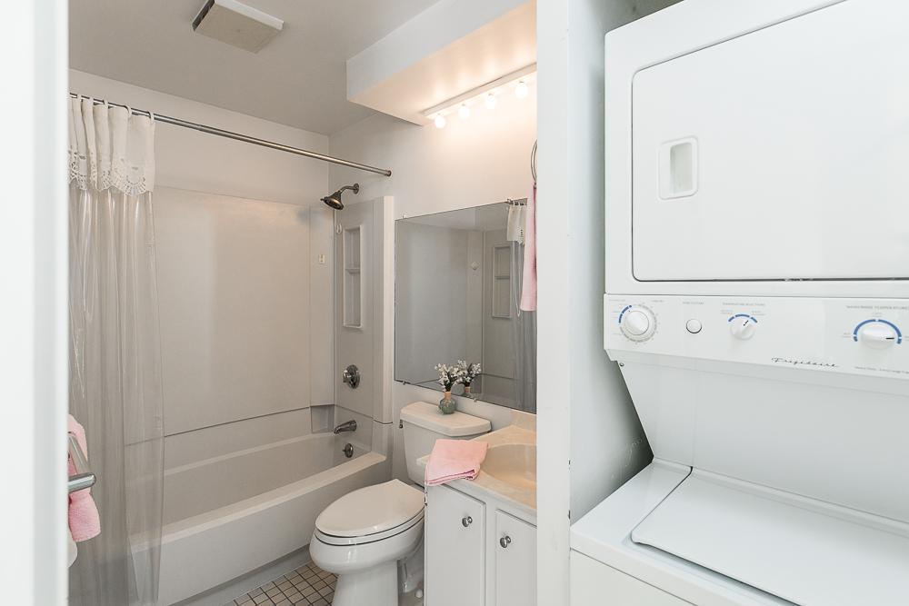 Full bath with laundry 510-1002 Revere Beach BLVD Revere Massachusetts