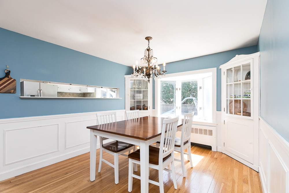 Dining Room 9 Crescent Road Hamilton, Massachusetts