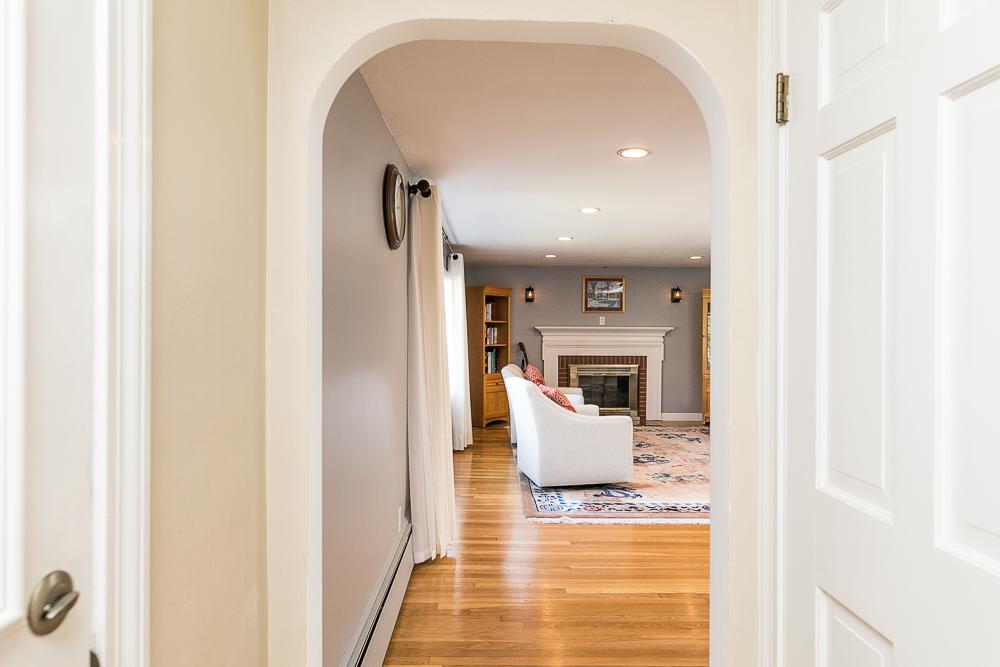 Foyer looking into living room 9 Crescent Road Hamilton, Massachusetts